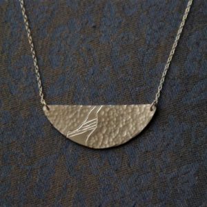 Collier – Le chemin détourné